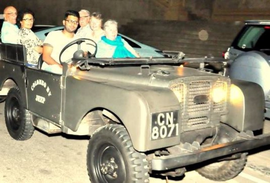Evening Colombo Sightseeing with Land Rover S1 3600 Visibility