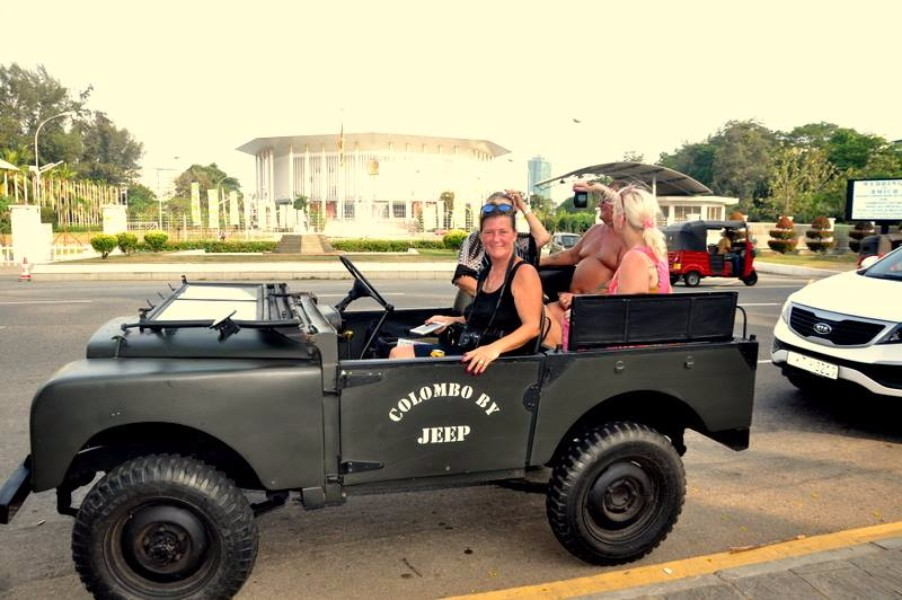 Morning Colombo Tour by Land Rover War Jeep